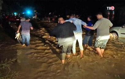 В столице Македонии 15 человек погибли из-за ливней