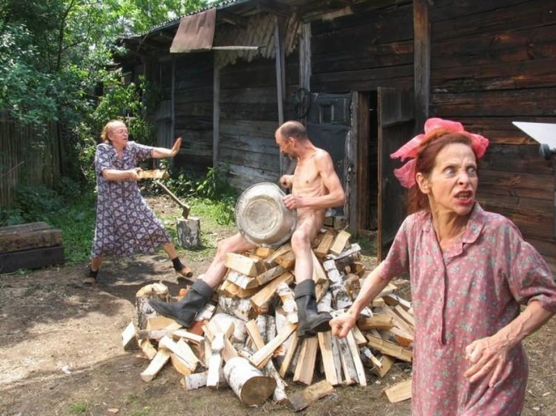 Пошлая блондинка приехала в гости в деревню  17575