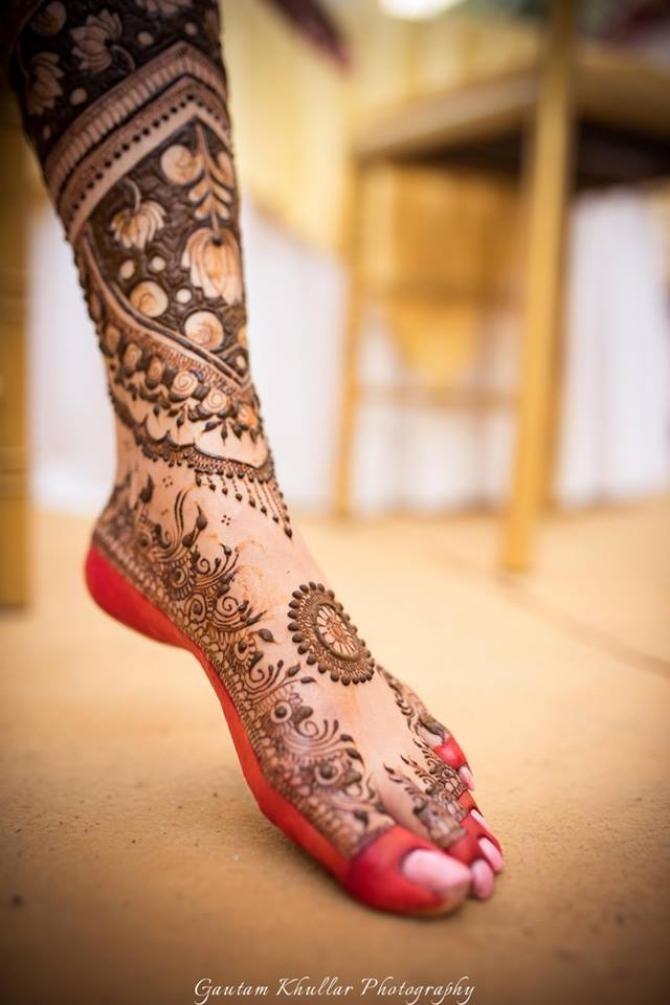Эти свадебные татуировки индийских девушек - настоящие произведения искусства