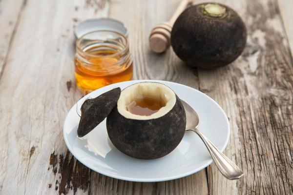 Черная редька с медом или сахаром - проверенное средство от кашля