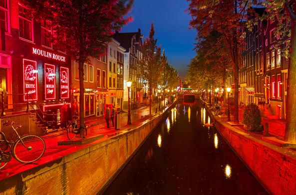 Амстердам планирует привлекать только «качественных» туристов