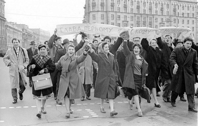 Родом из СССР: 6 дурацких привычек, от которых пора бы избавиться