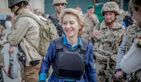 Министр обороны Германии: Путин совершенно «не уважает проявление слабости»