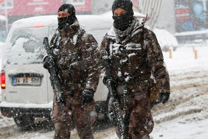 Полиция задержала двух подозреваемых в причастности к теракту в Стамбуле