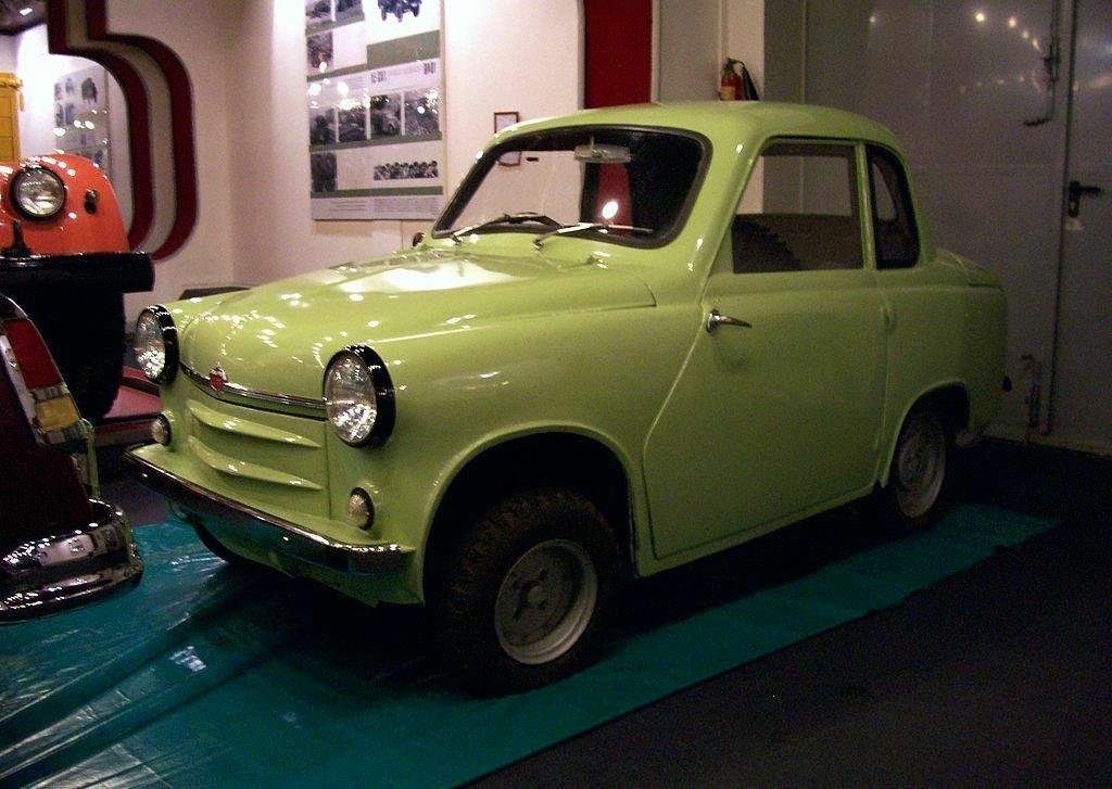 Микроавтомобиль ГАЗ-М18 остался без педали сцепления