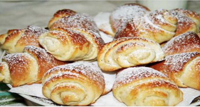 Вкуснейшие булочки, приготовленные на основе дрожжевого теста — сладкие, нежные и очень мягкие