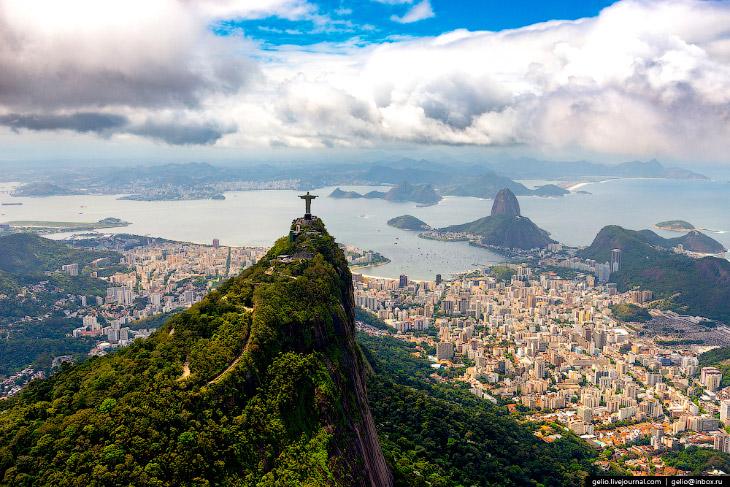 Рио-де-Жанейро с высоты: от фавел до статуи Христа
