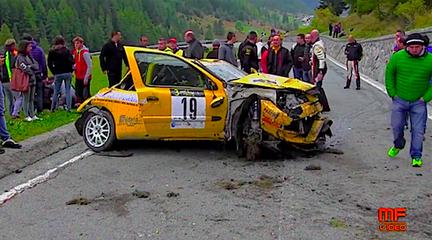 ЧУДО! Авария на гонках в Италии (+видео)