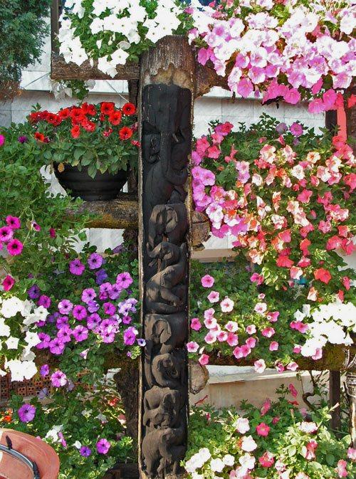 Создаем красоту на даче — фото идеи вертикальных клумб