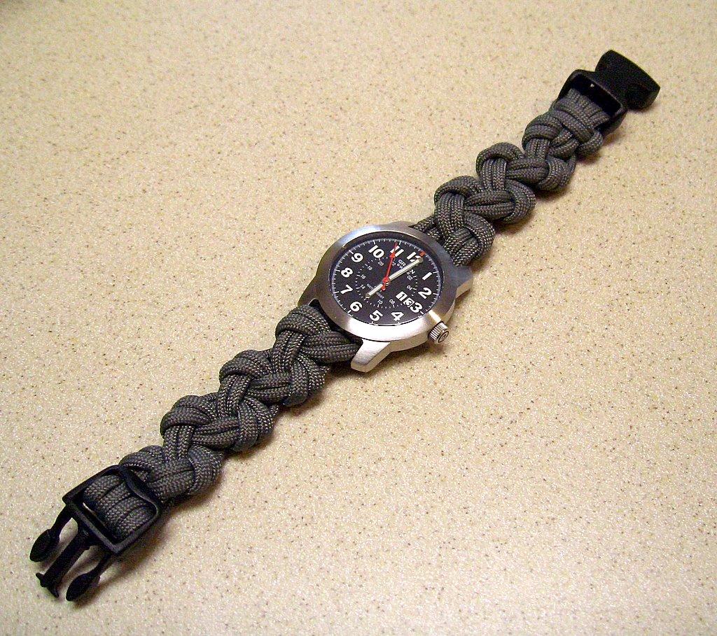 Браслет для часов из шнура