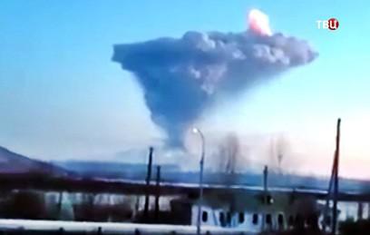 Вулкан Шивелуч выбросил столб пепла на 10 километров