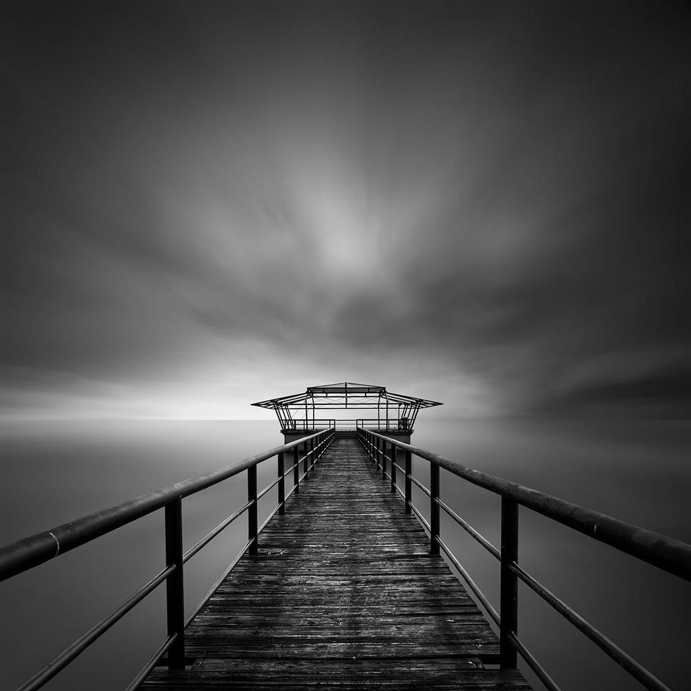 Чёрно-белые пейзажи, уходящие за пределы реальности. Фотограф Джордж Дигалакис 16