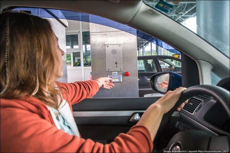 Оплата производится на промежуточных пунктах или при съезде с платной дороги. На въезде получают талон в автоматическом терминале... авто, автопутешествие, движение, дороги, путешествие, сербия, фото, фоторепортаж