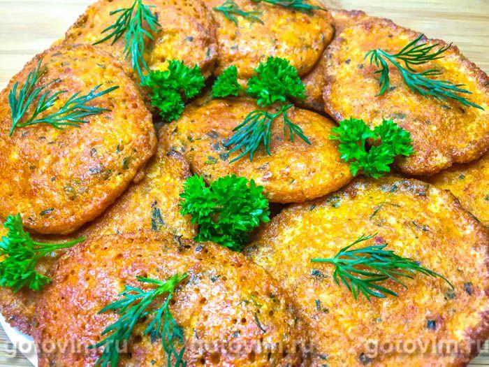 Котлеты из икры карася, жаренные на сковороде. Фотография рецепта