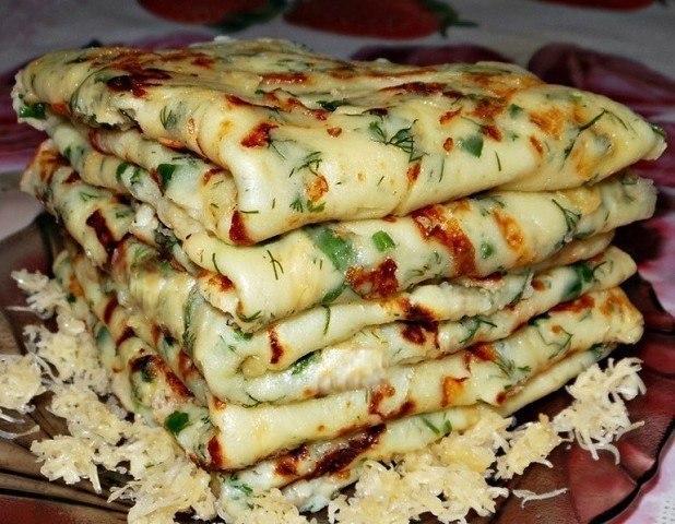 Сырные блины - простой и популярный рецепт!