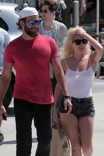 Леди Гага собирается увести …