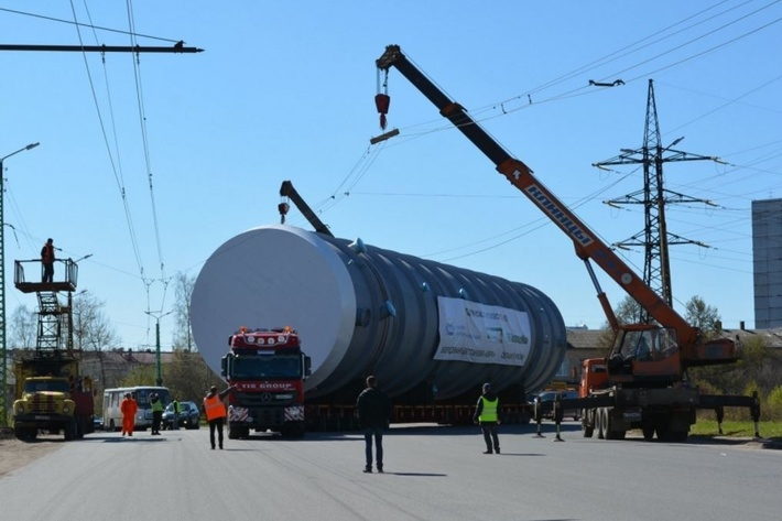 Атомэнергомаш отгрузил в адрес МНПЗ 2-ю колонну для установки ЕВРО+