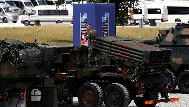 """Зачем НАТО пугает Москву """"бумажными тиграми"""". Ростислав Ищенко"""