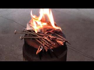 Как разжечь огонь ГВОЗДЕМ