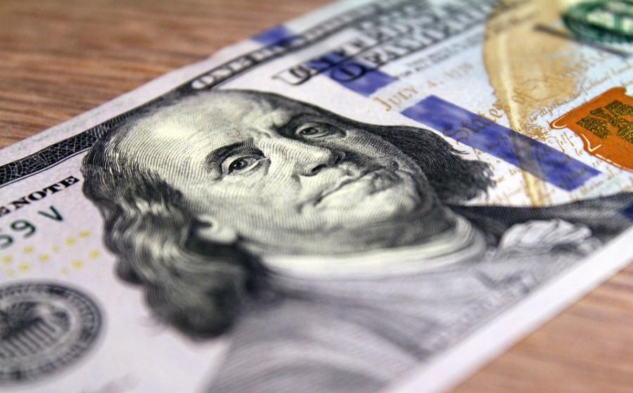 Валютный баланс России за год улучшился на 10 млрд долларов