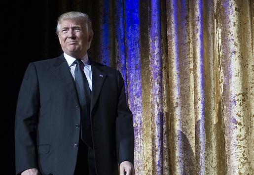 Трамп предложил решившим бойкотировать его инаугурацию вернуть билеты