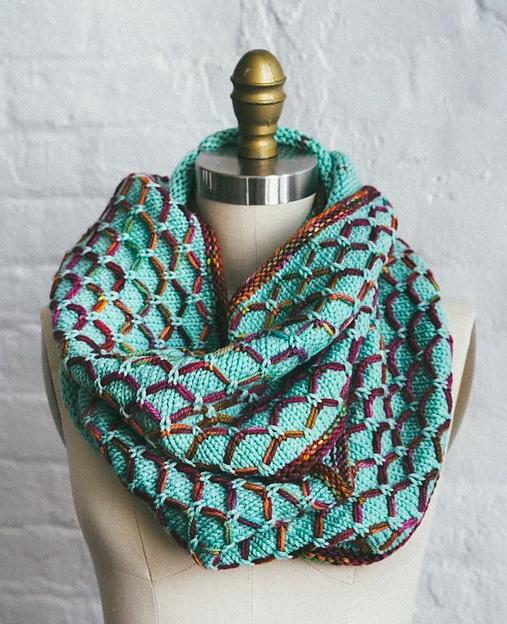 Креативный шарф - хомут спицами