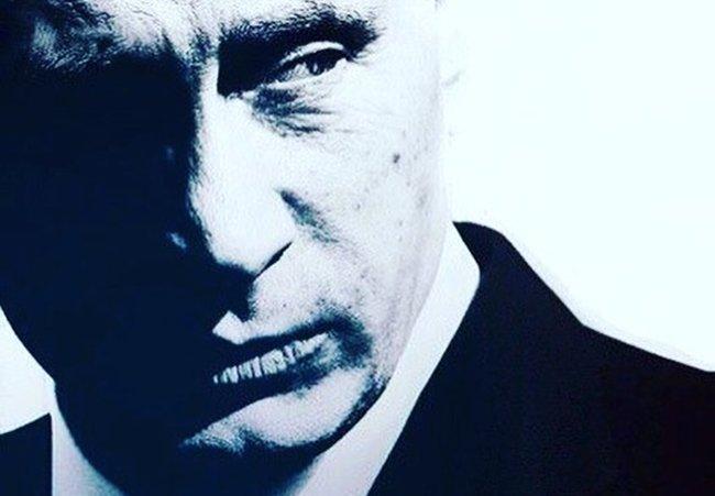 Укроп пишет: Украина упадёт к ногам Москвы, Россия -  опасный для любой,  мощной страны, зверь