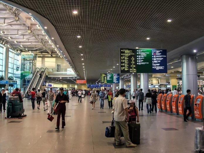 Случай в аэропорту аэропорт, деньги, евро, полиция, юмор