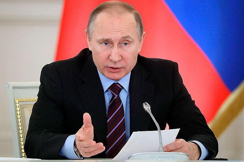Владимир Путин - на вопрос о геях: Я бы предпочел не ходить с ним в душ. Зачем его провоцировать?