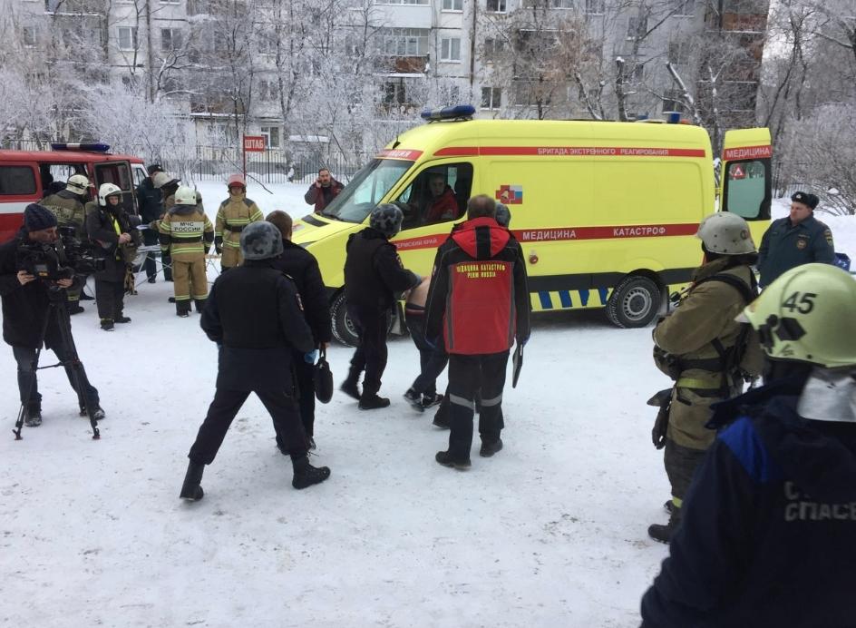 Учеников били ножами в голову - В Перми совершено нападение на школу