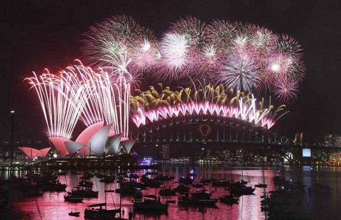 Как мир встретил Новый 2015 год