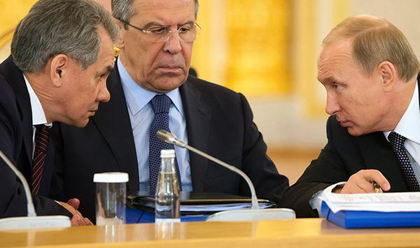 Рейтинг доверия россиян среди политиков возглавили Путин, Шойгу иЛавров