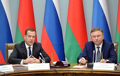 Медведев обсудил с премьером Белоруссии экономику Союзного государства