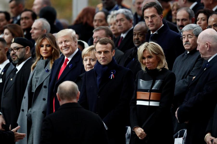 Путин в Париже. Символы и знаки