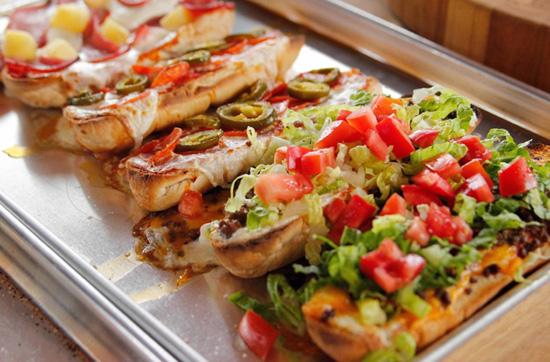 Французская пицца: идеальная закуска в хрустящем багете