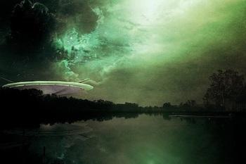 Во время трансляции с МКС уфологами был замечен НЛО над Северной Кореей