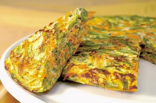 Бабушкин рецепт вкуснейшего и нежнейшего кабачкового омлета с сыром  для всей семьи.