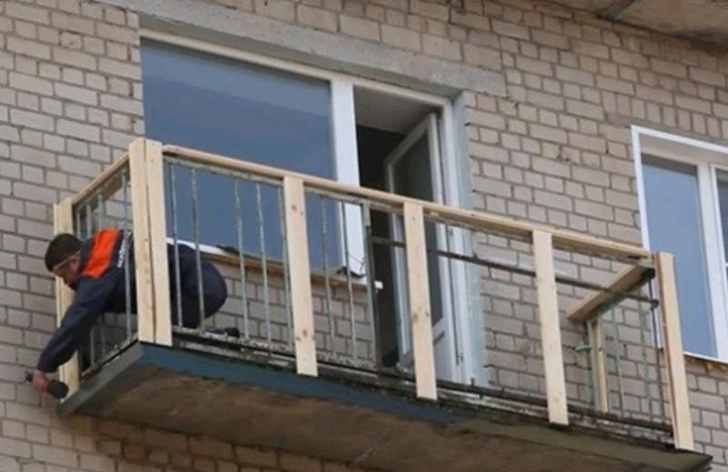 Как обшить балкон снаружи сайдингом своими руками фото