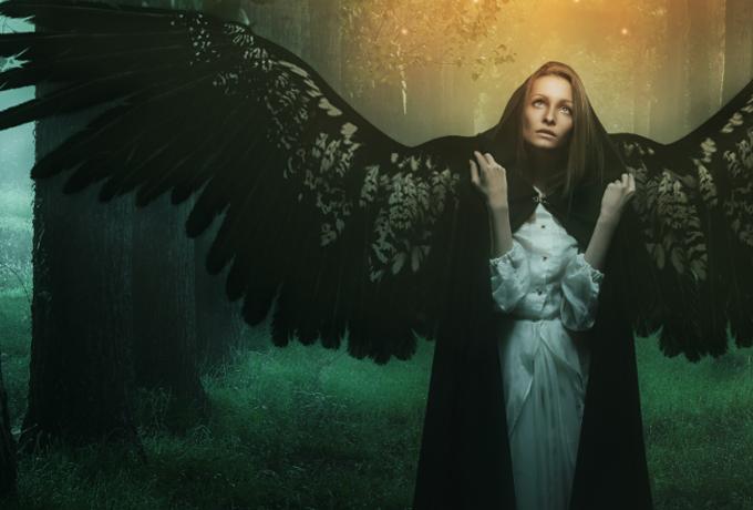Скорпион — один из самых важных знаков Зодиака. Он похож на падшего ангела, танцующего в темноте.