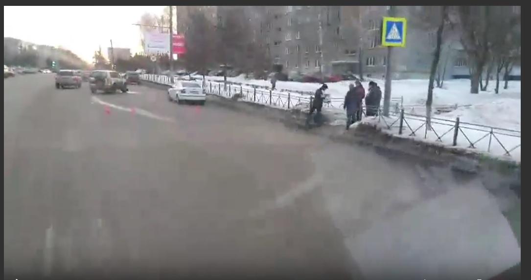 Во Владимире священник на Land Cruiser сбил на переходе другого священника