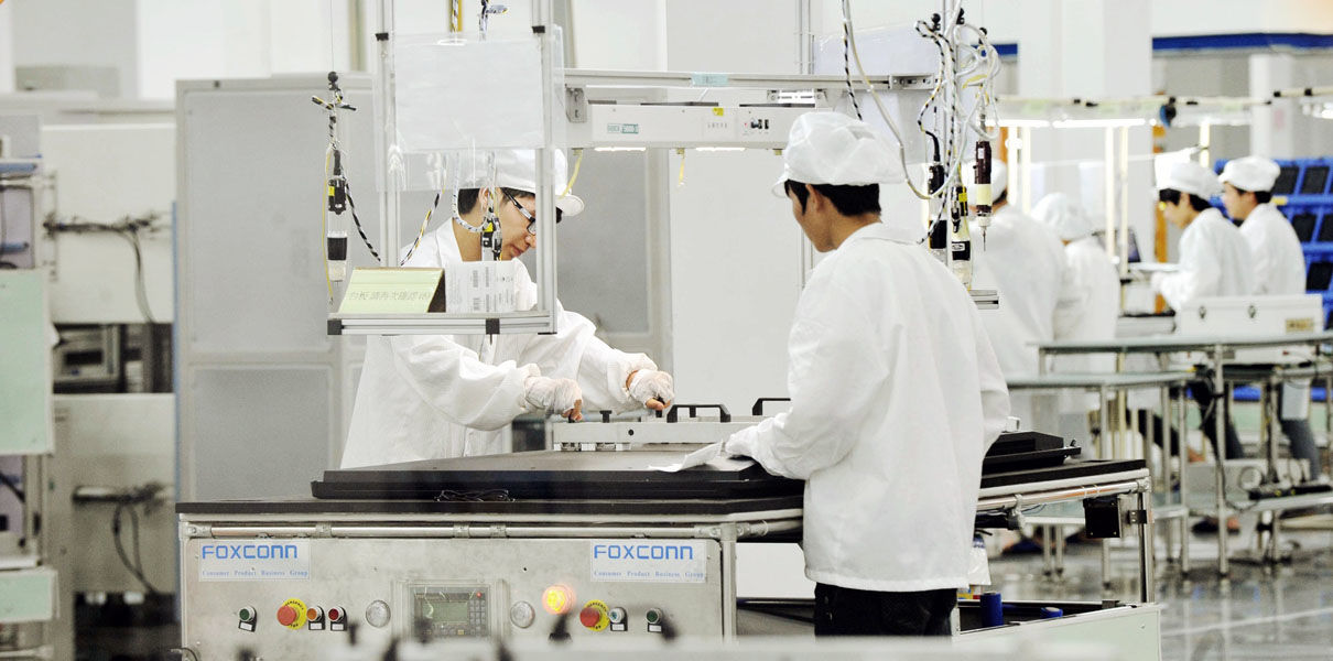 Foxconn заменит всех сборщик…