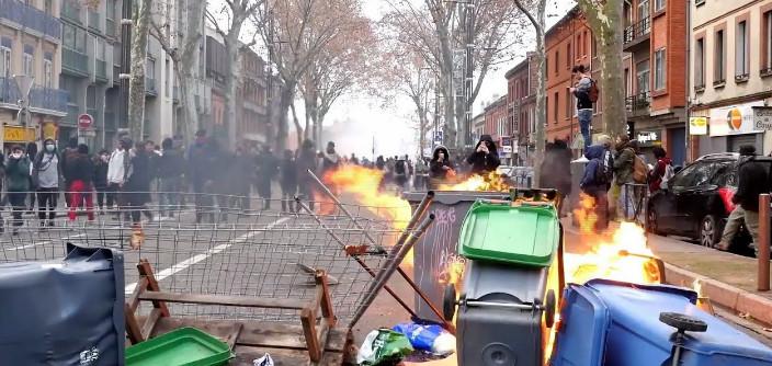 Массовые аресты студентов во Франции