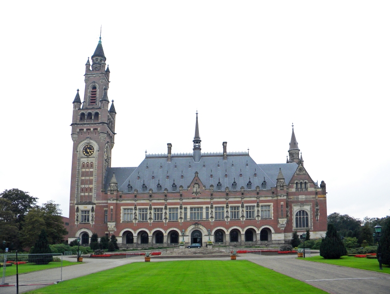 Дворец Мира (здание ООН в Гааге). Фото