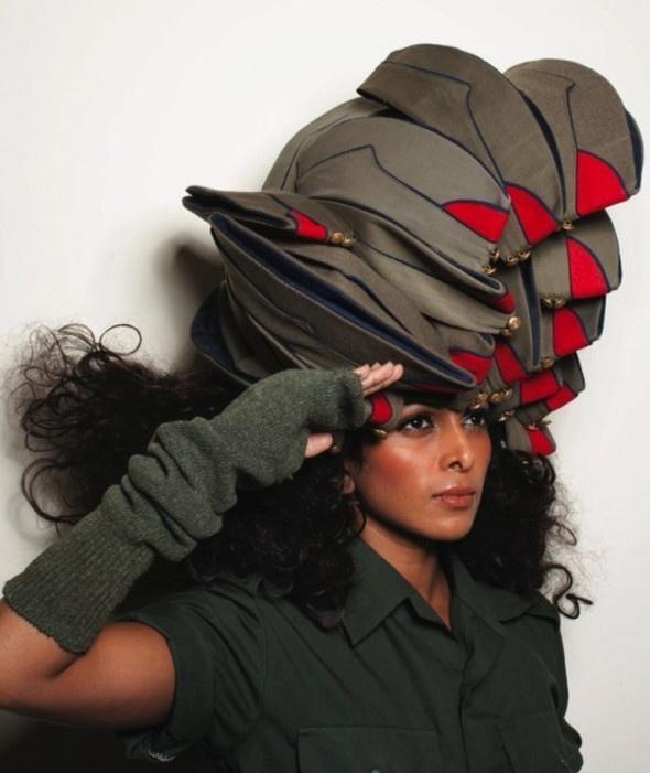 Украшения и шляпки Shilpa Chavan