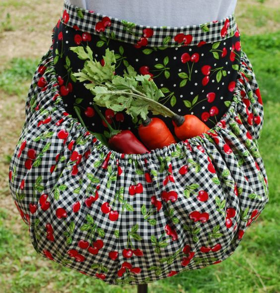I totally need this!! What a great idea!! Garden Harvest Apron by TumbleweedJunction on Etsy, $54.95: