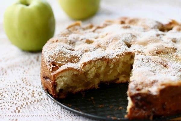 Диетическая яблочная шарлотка для худеющих! На 100 грамм всего 78,68 ккал!