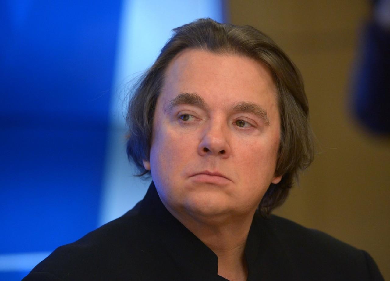 Эрнст сравнил Пугачёву с оливье