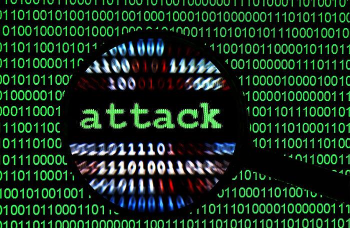 Очередная атака на «российских хакеров»