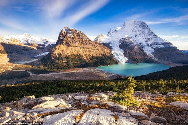 Озеро Берг в Канаде, а позади - гора Робсон в мире, красивые фото, красивый вид, пейзажи, природа, путешествия, фото, фотографы