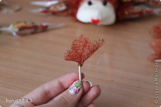 Мастер-класс Свит-дизайн День рождения Ёжик из конфет МК  фото 4